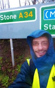 Im Regen auf dem Weg nach Stone