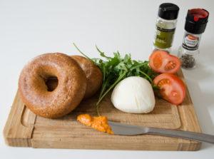 Bagel mit Tomate-Mozarella