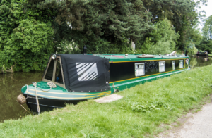 Narrowboat auf dem Trent-Mersey-Canal